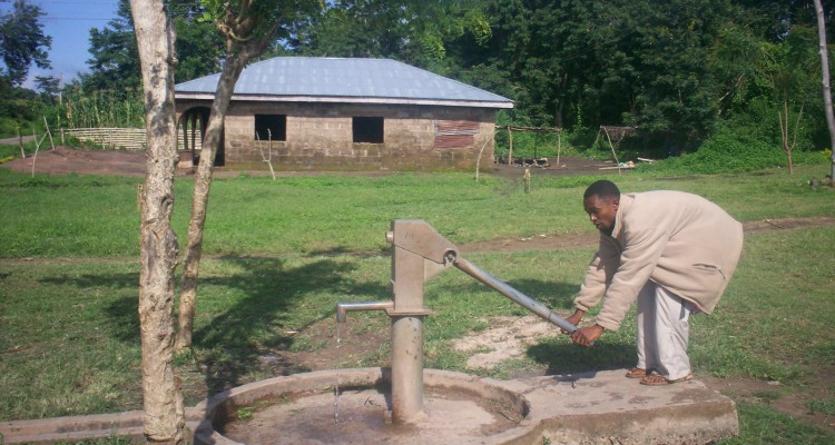 Bore Hole Prject by the Ihonvbere Foundation